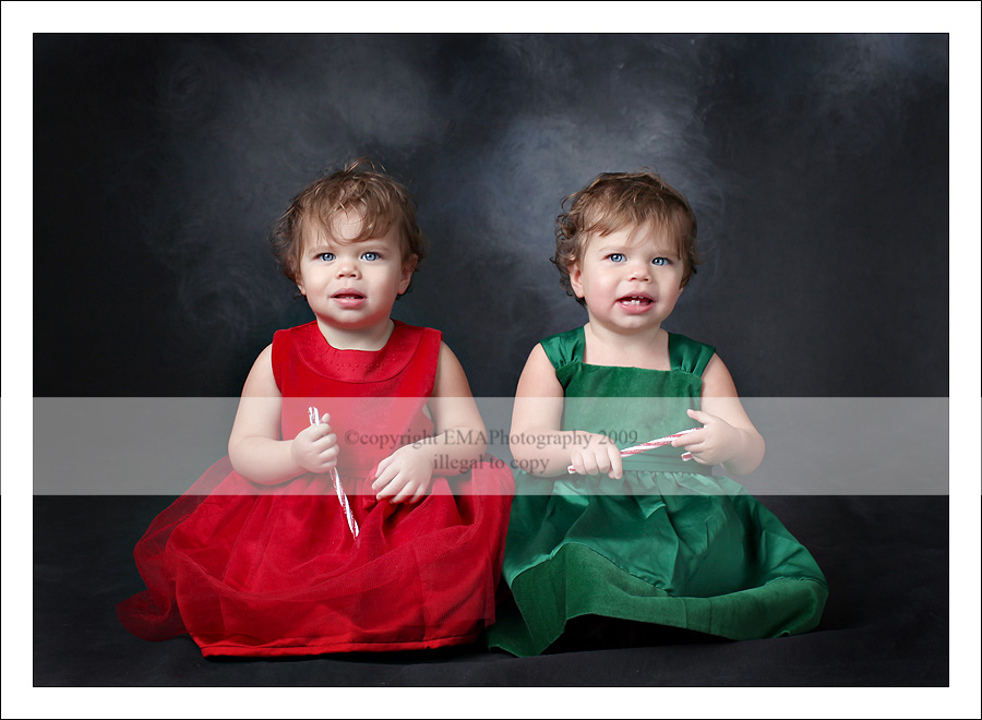NJ Children's Photographer, NJ Photographer, New Jersey Photography,  South Jersey Multiples, Twins Photographer, Holiday Portraits, Santa Clause,  Holiday 2009,  Holiday Photos